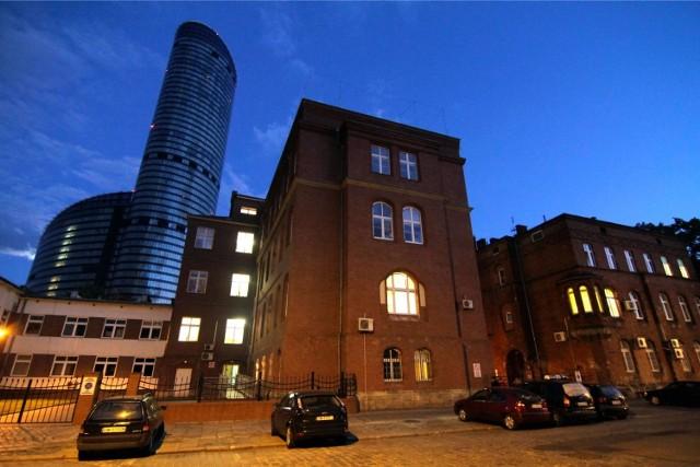 Budynek Dolnośląskiego Centrum Onkologii
