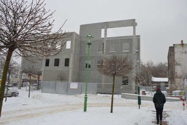 Nowy budynek nie bardzo jest podobny do zburzonego zabytkowego młyna...