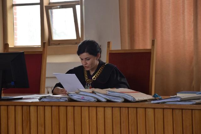 Joanna Sobczak, sędzia Sądu Rejonowego w Grudziądzu: - Wysokość pobieranych kwot z kasy spółki nie była wysoka, ale odbywało się to regularnie. Szczególnie naganne jest to, że procederu dopuszczał się prezes miejskiej spółki, osoba publiczna która powinna zachowywać się zgodnie z prawem.