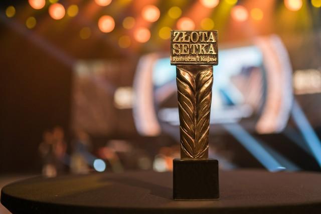 """Kilka dni temu (24 czerwca 2021) w Operze Nova nagrodziliśmy laureatów 25. Złotej Setki Pomorza i Kujaw. Pełen ranking w postaci dodatku dołączamy 30 czerwca do środowego wydania """"Gazety Pomorskiej"""" (tylko do wydania detalicznego). Zestawienie firm znajdzie się również w e-wydaniu na stronie Prasa24.pl. Zapraszamy do kiosków i do obejrzenia zdjęć z uroczystej gali.Więcej zdjęć w dalszej części galerii --->Zdjęcia z gali i listę laureatów publikujemy również tu: Oto oni - laureaci 25. Złotej Setki Pomorza i Kujaw nagrodzeni w Bydgoszczy [zdjęcia]"""