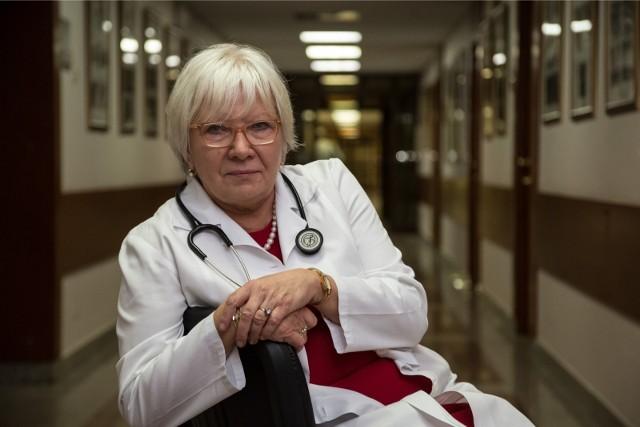- Nie ma badań, które potwierdzałyby taki wpływ smogu na chorobę COVID-19 - mówi doktor Anna Prokop-Staszecka ze Szpitala Specjalistycznego im. Jana Pawła II w Krakowie