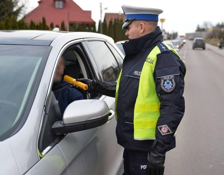 """""""Trzeźwy poranek"""" na podkarpackich drogach. Policjanci zatrzymali 26 nietrzeźwych kierowców"""