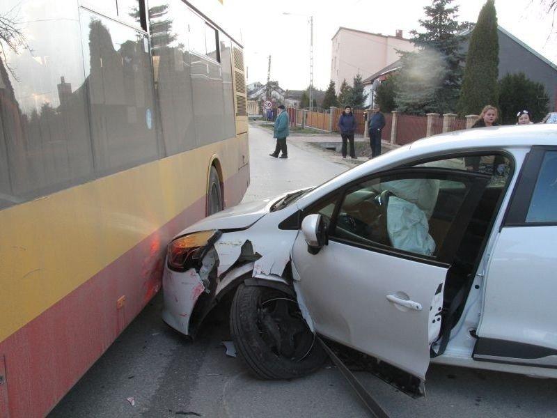 Wypadek W Kielcach Zderzyły Się Autobus Miejski I Osobowy
