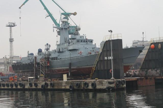 ORP Piorun przechodzi remont w NaucieOkręt ORP Piorun umieszczony został na doku Stoczni Remontowej Nauta