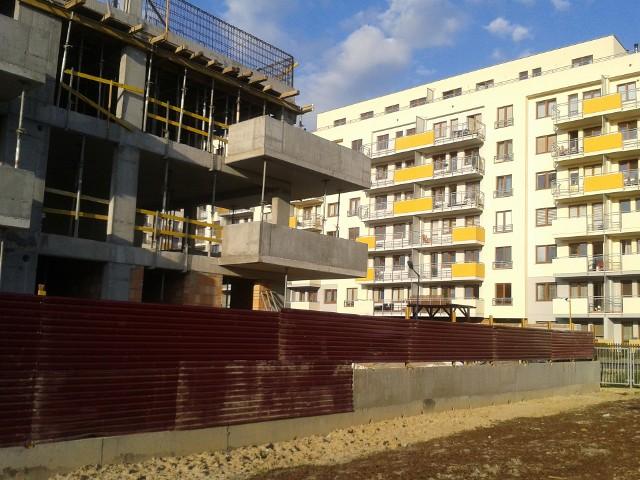 Buduje się coraz mniej mieszkańW Polsce buduje się coraz mniej mieszkań