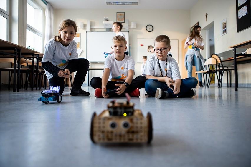 Jak doświadczenie nauki zdalnej może zmienić polską szkołę?
