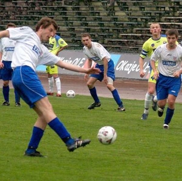 Piłkarze Stali Mielec awansowali do trzeciej ligi, ale zostali bez sponsorów.