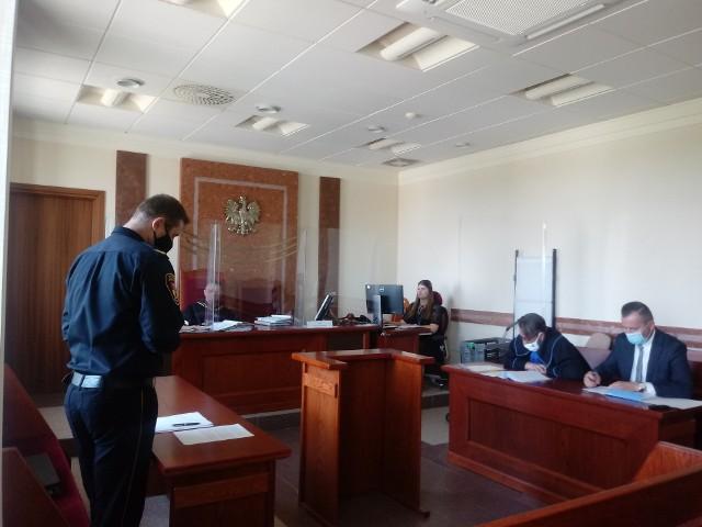 - Oskarżenia przedstawione we wniosku o ukaranie w mojej ocenie są nieprawdziwe - powiedział na koniec obwiniony Henryk Dębowski.