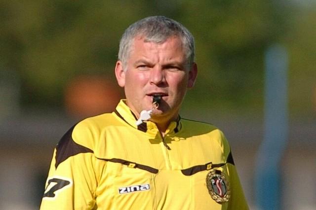 Paweł Charchut ma 33 lata, w III lidze sędziuje od dwóch sezonów.