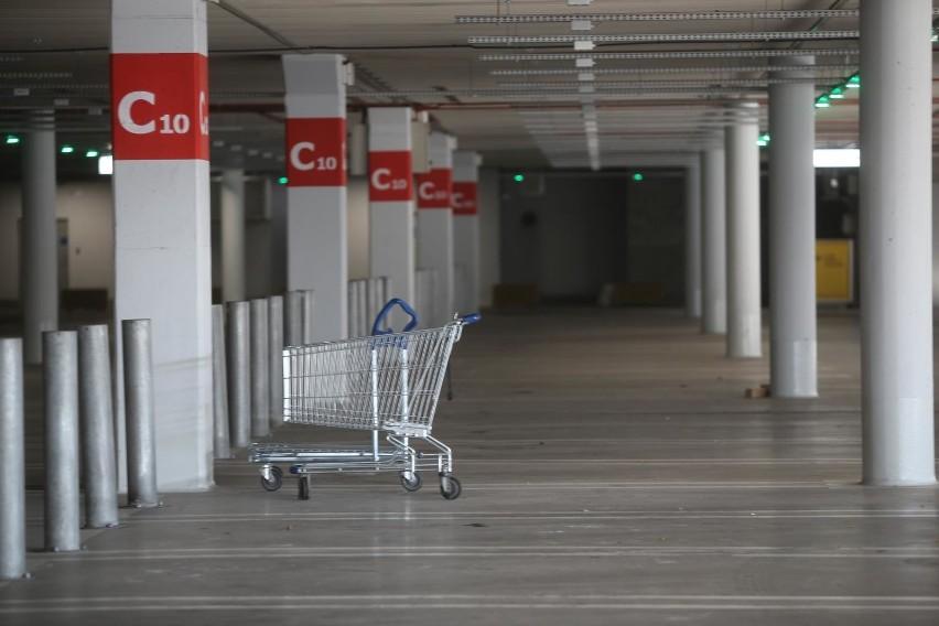 IKEA z nową opcją dostawy: Sklepy stacjonarne zamknięte, a Ty nie chcesz czekać na kuriera? Teraz zakupy z IKEI odbierzesz w paczkomacie