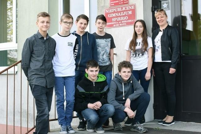 Uczniowie klasy II gimnazjum w Rossoszycy nie są pewni, czy po wakacjach rozpoczną ostatni rok nauki w swojej szkole.