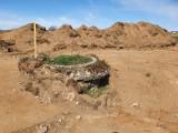 """Co drogowcy znajdują pod ziemią? Odkryć archeologicznych się spodziewają, ale wysypiska śmieci i """"sieci widma"""" są kosztownym zaskoczeniem"""