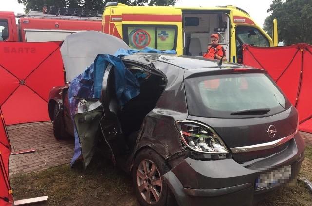 W wypadku zginęła kierująca autem osobowym 52-letnia kobieta.