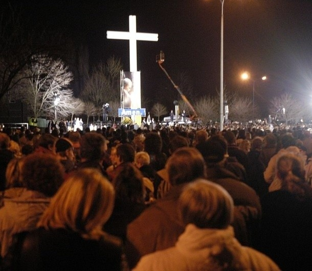 Wieczorem w sobotę o godz. 21 na Łęgach Dębińskich  odbędzie się modlitewne czuwanie.
