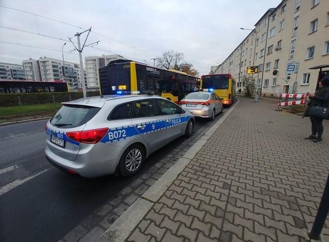 Kolizja radiowozu z autobusem MPK we Wrocławiu 18.11.2020