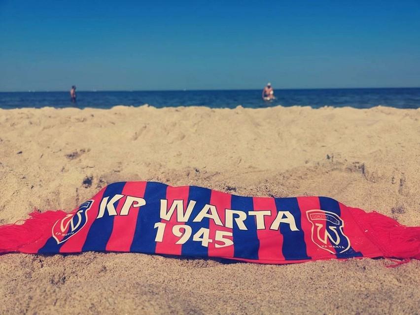Po wygranym meczu Warta Gorzów na Facebooku pozdrawiała kibiców znad morza.