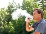E-papierosy wywołują stan zapalny w jamie ustnej. Vaping jest szkodliwy zwłaszcza dla dziąseł i może prowadzić do rozwoju paradontozy