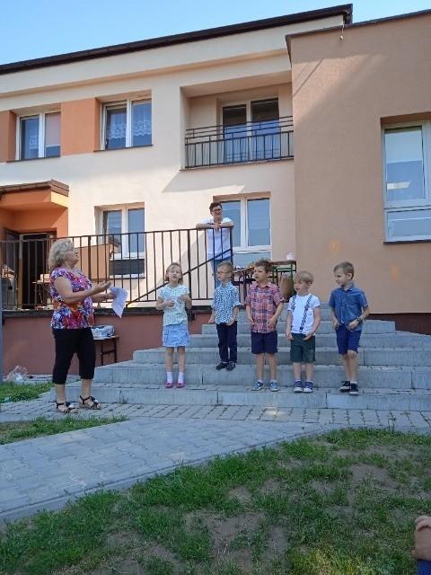 Społeczność Szkoły Podstawowej imienia 100. Rocznicy Odzyskania Niepodległości przez Polskę w Korzecku, w gminie Chęciny, pomaga Gwatemali