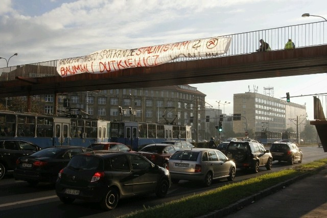 Wrocław: Kontrowersyjny transparent nad ulicą Legnicką