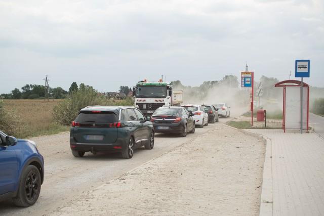 Przejazd między Lewickimi, a Juchnowcem Kościelnym przez budowę drogi trwa dłużej. Na trasie została ustawiona wahadłowa sygnalizacja świetlna.