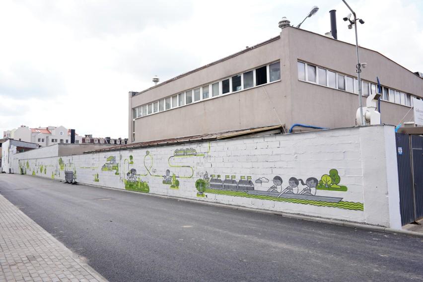 Mural projektu grafika i ilustratora Jan Kallwejta ma 160 m...
