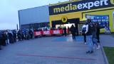 Media Expert w Opatowie otwarty w czwartek, 14 listopada. Tłum od rana