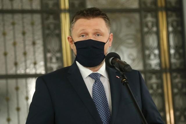 """Kierwiński tłumaczył, że jak coś jest """"niewygodne"""" dla partii rządzącej, to """"dowody giną i nikt nie wie co się dzieje""""."""