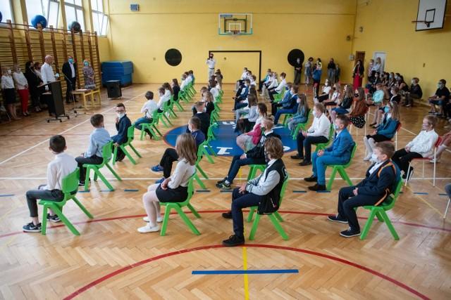 Uczniowie klas I-III wrócą do szkoły po feriach? Jest decyzja