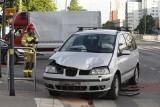 Wypadek na al. Politechniki. Zderzenie samochodów na skrzyżowaniu z Radwańską