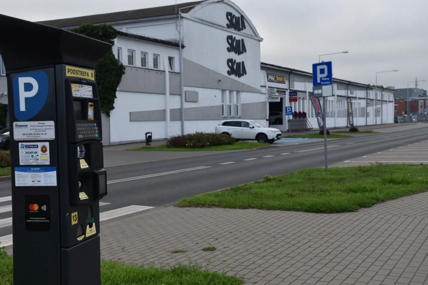 Przy ul. Portowej obłożenie parkingu sięga obecnie poniżej  5 proc. Jest pomysł, aby obniżyć abonament dla zatrudnionych w obrębie tego miejsca i w ten sposób zachęcić większą ilość kierowców, aby parkowali tutaj