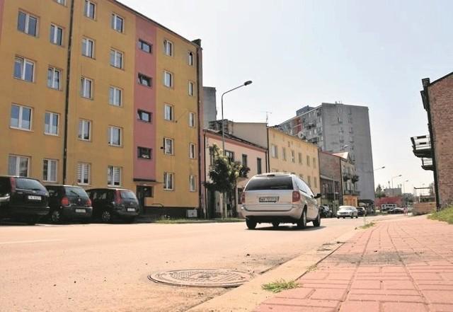 Prace kanalizacyjne przy ulicy Chęcińskiej zostały zastopowane na czas długiego weekendu. Ruszą w środę i potrwają trzy dni.