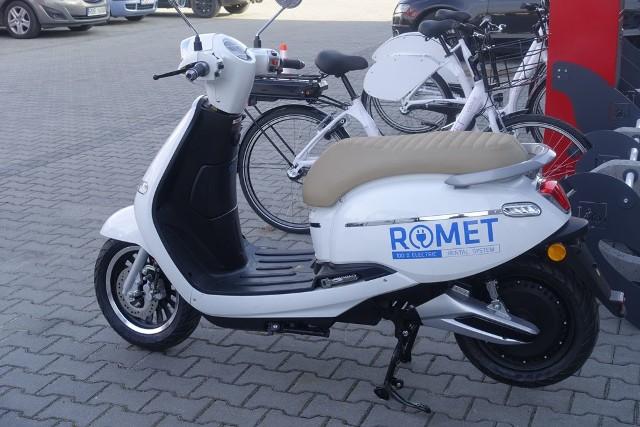 W ubiegłym roku skutery cieszyły się w Rzeszowie większą popularnością od rowerów. Romet, który jest blisko wejścia do Rzeszowa oferuje takie pojazdy.