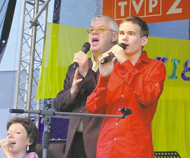 Każdego roku na festiwal do Lubska przyjeżdża kilkudziesięciu wykonawców z całej Polski.