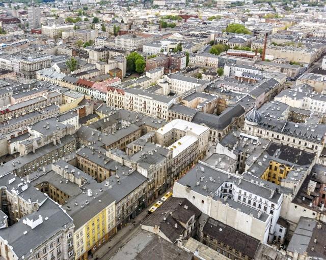 Gminny program rewitalizacji centrum miasta nie bez problemów, lecz  toczy się nieprzerwanie.
