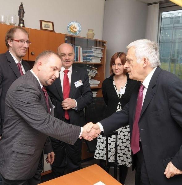 W Unii o poparcie dla planów ZAK zabiega prof. Jerzy Buzek (z prawej), którego projektem zainteresował poseł Robert Węgrzyn.