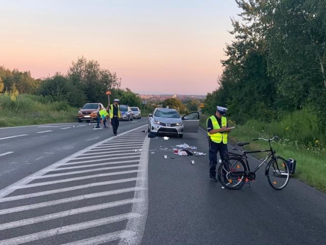 Tragiczny wypadek w Piekarach Śląskich na DW911. Zginął rowerzysta.
