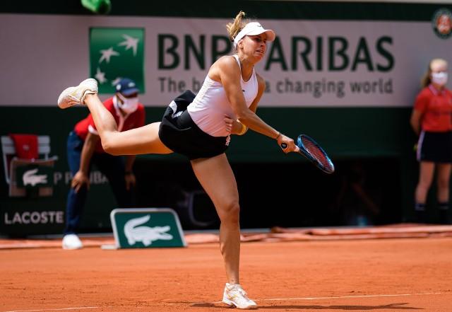 Magda Linette dotarła w Paryżu również do trzeciej rundy gry pojedynczej