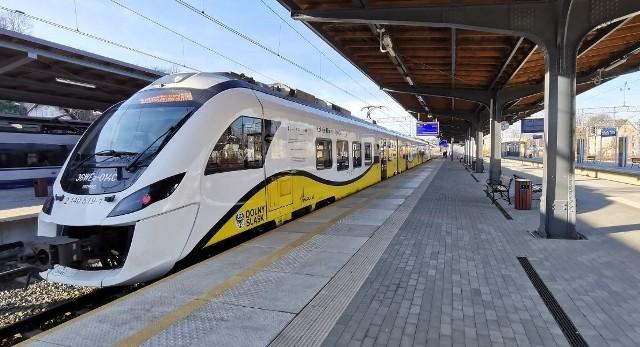 Pociąg Kolei Dolnośląskiej.