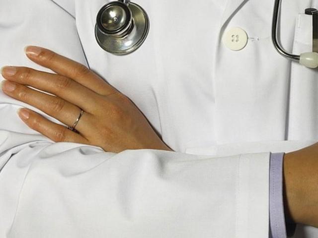 Lekarka orzekła, że 84-letnia kobieta nie żyje.