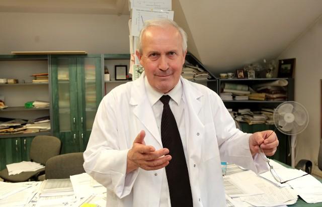 Prof. Jan Lubiński, kierownik Zakładu Genetyki i Patomorfologii Pomorskiego Uniwersytetu Medycznego w Szczecinie