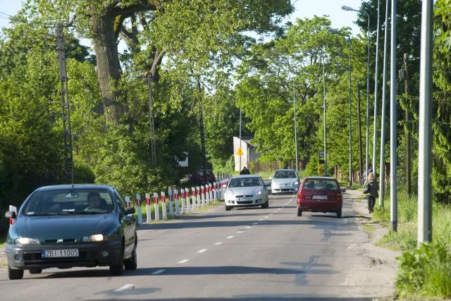Droga z Koszalina do Niedalina zostanie przebudowanaPrzebudowany zostanie więc 12-kilometrowy odcinek od granic Koszalina przez Konikowo, Świeszyno, Strzekęcino i Niedalino do drogi nr 168 prowadzącej do Zegrza Pomorskiego.