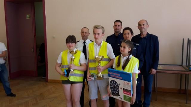 W środę, 9 maja, w Szkole Podstawowej numer 2 odbył się powiatowy etap konkursu Bezpieczeństwa Ruchu Drogowego. Wzięły w nim udział drużyny, które  w etapie gminnym zdobyły największą liczbę punktów.