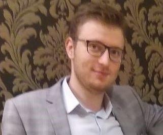 W Krakowie zaginął 23-letni Adrian Węgliński. Rodzina prosi o pomoc w poszukiwaniach
