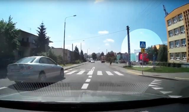 Do zdarzenia doszło przy VIII LO w Bydgoszczy. Nagranie trafiło na YouTube