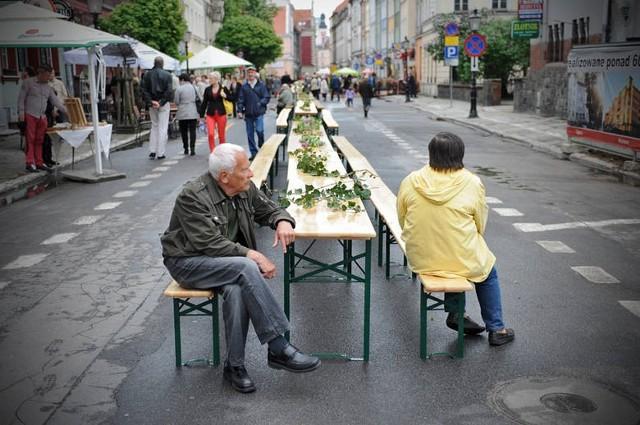 Święto ulicy Żydowskiej: Stanie wielki stół, będzie śledzik i koncerty