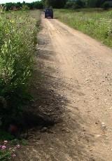 Nowy Ostrów, Ozierany Małe - drogi gminne kryją groźne pułapki (zdjęcia)