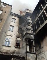 Kraków. Pożar przy Rajskiej i Dolnych Młynów. Pogorzelisko w kamienicy, zakaz użytkowania budynku [ZDJĘCIA]