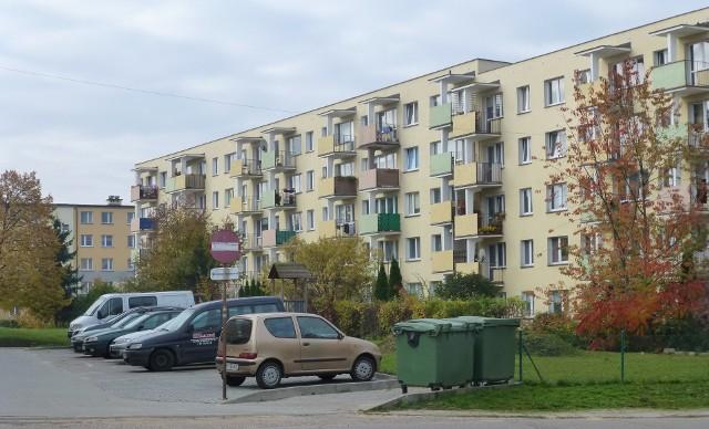 Rynek mieszkań używanychOsoby sprzedające używane mieszkania widząc większe zainteresowanie swoimi ofertami stawiają twardsze warunki podczas negocjacji cenowych.