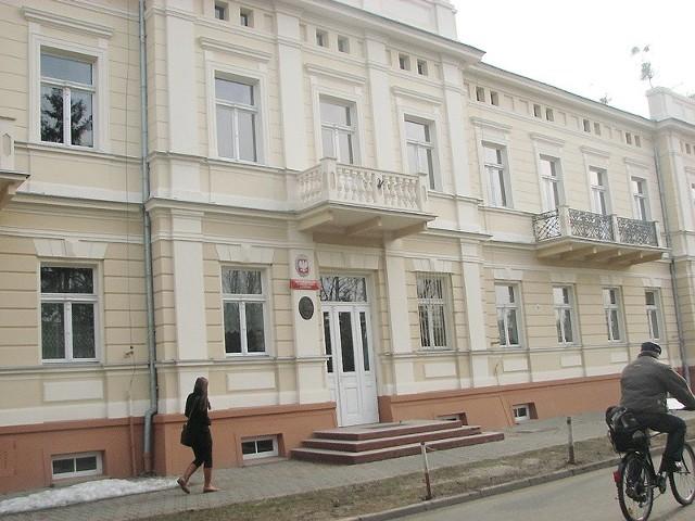 W ubiegłym roku budynek Licerum Ogólnokształcącego w Ciechocinku otrzymał nową elewację.  Inwestycja kosztował 460 tys. złotych. Prace wykonała nieszawska firma Budorol.