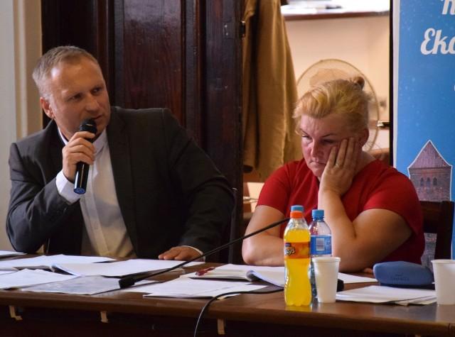 - Wiceburmistrz Zawadzka była na ogłoszeniu wyroku w Warszawie. Będziemy ten proces dalej ciągnęli - zapowiedział Robert Świeczek na sesji rady miejskiej.